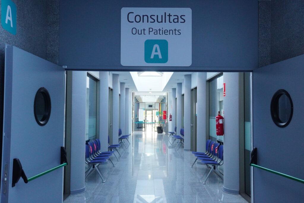 Imagen del Pasillo A del Hospital quirónSalud palmaplanas